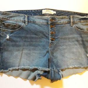 Torrid Skinny Short Shorts Light Wash w Button Fly